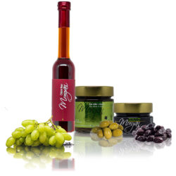 Olives and liqueur